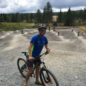 klar-paa-cykel