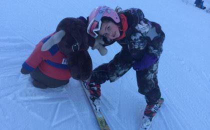 Familie på ski i Säfsen