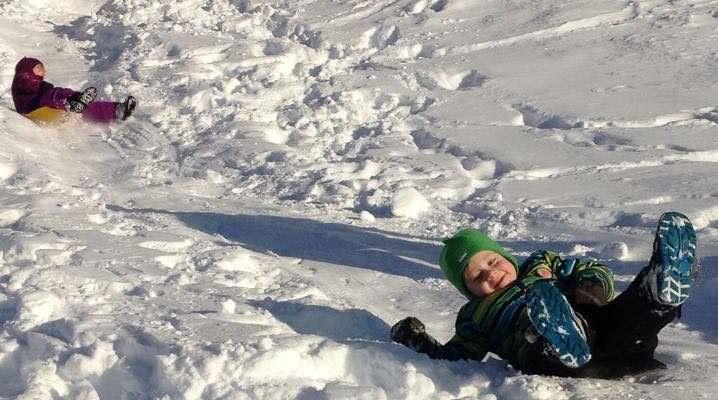 Familie på ski i Beitostølen