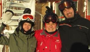 Familie på skitur i Norden
