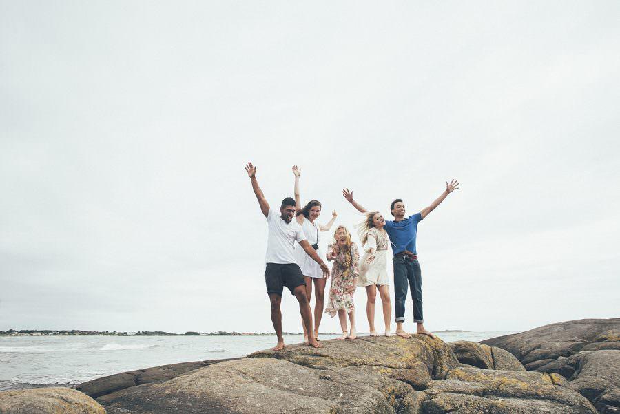venner ved havet i Sverige