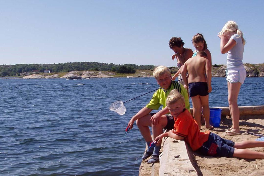 Fiskeri og sjov ved Tanumstrand ved skærgården